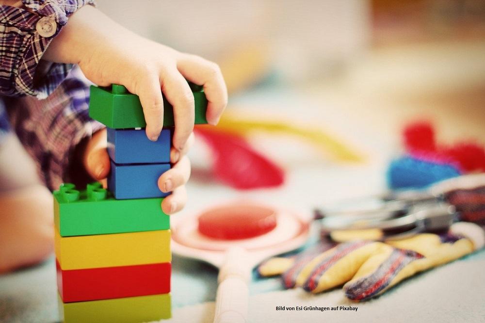 Bausteine mit Kinder